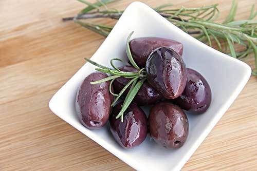 black olives for dogs